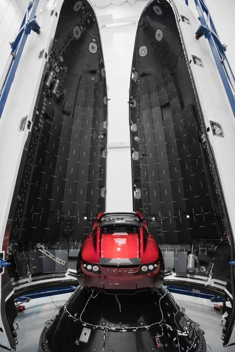 Tesla Roadster Falcon Heavy